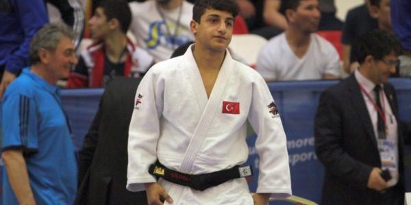 Dan wasan Judo na Turkiyya ya lashe kambi a gasar kasa da kasa